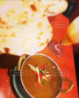 近くにスープのアップの写真・画像素材[825697]