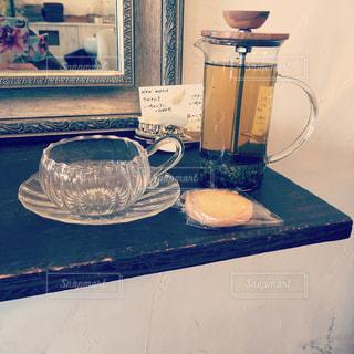 美容院でのんびり休憩中の写真・画像素材[826490]