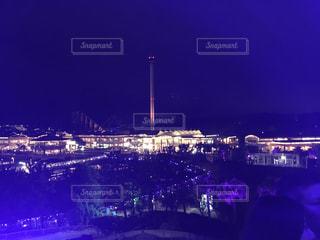 夜の街の景色の写真・画像素材[826549]