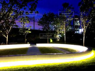 光環と高層ビルの写真・画像素材[827270]