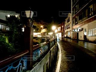 湯河原温泉街の夜道の写真・画像素材[827279]