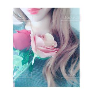 薔薇と女性。 - No.837579