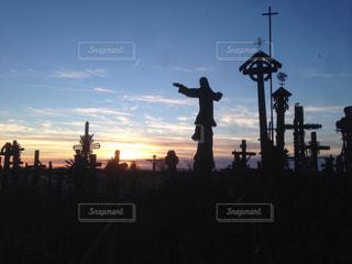 十字架の丘の夕焼けの写真・画像素材[830071]