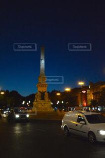 夜の街の景色の写真・画像素材[880852]
