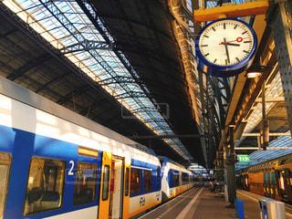 アムステルダム中央駅構内の写真・画像素材[885226]