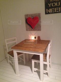 お気に入りのテーブルの写真・画像素材[832045]