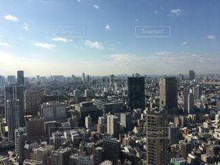 都市の高層ビル 空メインの写真・画像素材[866340]
