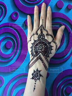 インド人によるヘナタトゥーの写真・画像素材[835381]