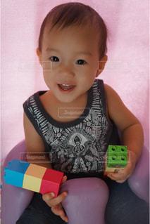 1歳の子供の写真・画像素材[1111042]