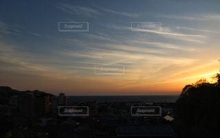 夕暮れ後のマジックアワーの写真・画像素材[1117605]
