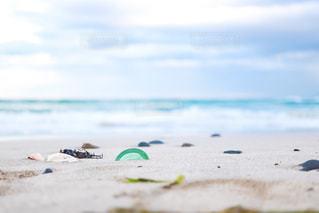 波が置いていったものの写真・画像素材[1635907]