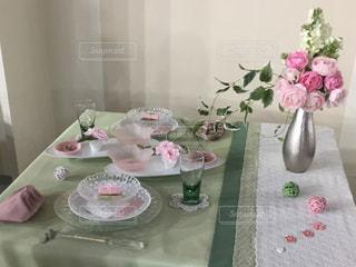 春を思わせるテーブルの写真・画像素材[2718642]