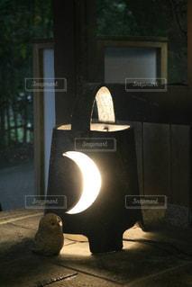 三日月の照明の写真・画像素材[835850]