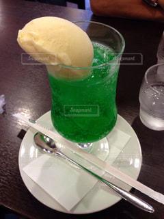 喫茶店のメロンクリームソーダの写真・画像素材[838484]