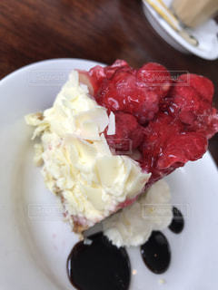 ラズベリーホワイトチョコケーキ - No.837556