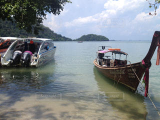 タイのビーチとボートの写真・画像素材[839393]