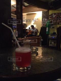 タイのバーでの音楽ライブの写真・画像素材[839399]