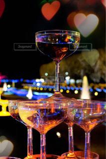グラス越しのイルミネーションの写真・画像素材[938201]