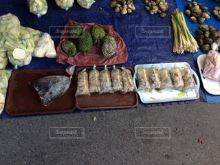 マレーシア コタキナバル 市場 ドリアン 貝の写真・画像素材[838553]