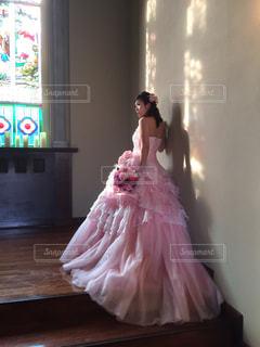 ピンクのドレスの女の子の写真・画像素材[843160]