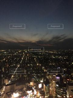 夜の街の景色の写真・画像素材[854785]