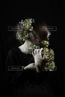 花と女性 - No.1119926