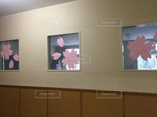 学校の入学式の廊下 - No.841407