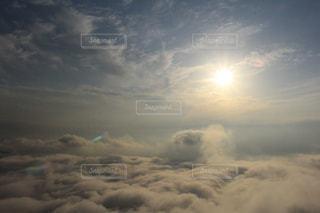 雲の上にいるよの写真・画像素材[841421]
