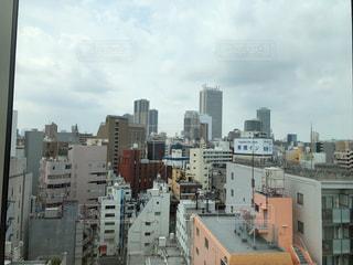都市の高層ビルのイメージの写真・画像素材[1325666]