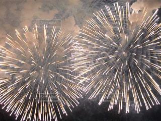 空に花火の写真・画像素材[1361114]