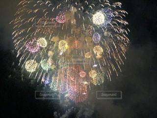 空に花火の写真・画像素材[1362579]