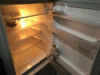 食材ない冷蔵庫の写真・画像素材[1675004]
