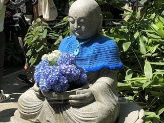 紫陽花もつお地蔵さんの写真・画像素材[2124937]
