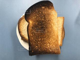 パンの一切れの写真・画像素材[3245738]