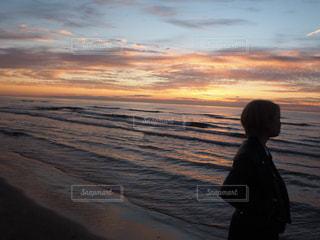 黄昏の千里浜の写真・画像素材[843422]