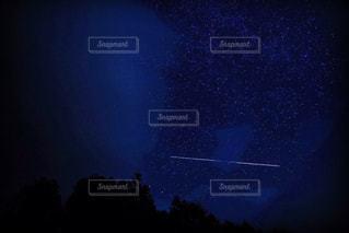 夜に見上げる空の景色 - No.843233