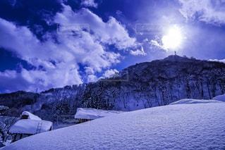 近くに雪の斜面をカバー - No.1006277