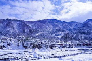 雪に覆われた山 - No.1012686