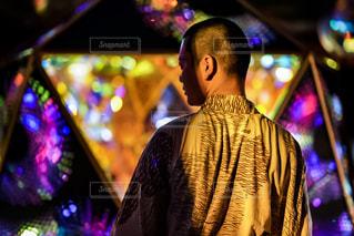 ステージに立っている人の写真・画像素材[1327933]