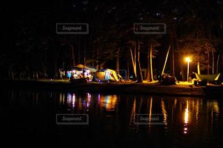 キャンプじょの夜の写真・画像素材[845090]