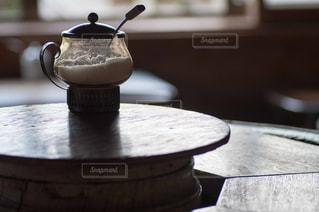 木製のテーブルの写真・画像素材[845321]