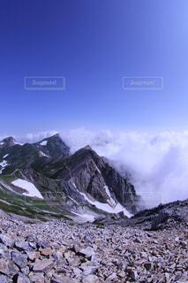 岩が多い山の写真・画像素材[852606]
