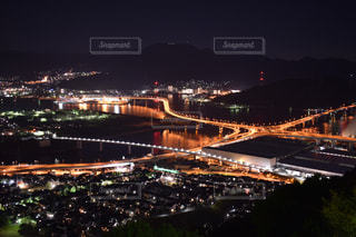 夜の街の景色の写真・画像素材[845314]