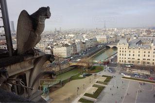 ノートルダム大聖堂からの景色の写真・画像素材[2303499]
