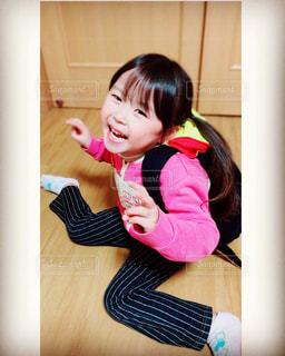 彼女の歯を磨く女の子の写真・画像素材[872225]