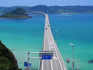 海の上につながる橋の写真・画像素材[1178247]
