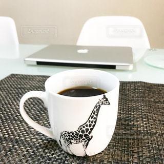 テーブルの上のコーヒー カップ - No.846691