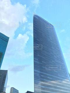 立方体のビルに見えませんか?の写真・画像素材[854360]