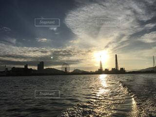 海からの日の出の写真・画像素材[849693]