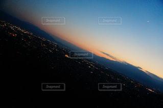 夜景とマジックアワーの写真・画像素材[970033]